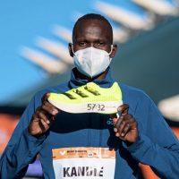 Кога патиките се поважни од тркачот – Кандие со светски рекорд во полумаратон