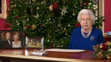 Лажна дигитална двојничка на кралицата испрати божикна честитка на телевизија