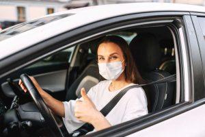 Направете воздушна завеса во автомобилот и заштитете се себеси и совозачот од коронавирус