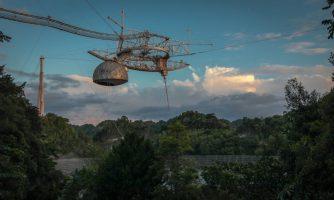 Се урна еден од најголемите телескопи на светот (ВИДЕО)