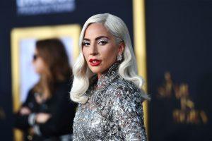 (Фото) Лејди Гага се разголе пред празниците