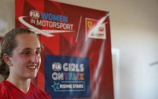 """(Видео) Девојка за прват ќе вози за тимот на """"Ферари"""""""