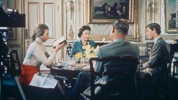 """(Видео) Забранет филм за кралското семејство е објавен на """"Јутјуб"""""""