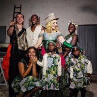 (Видео) Мадона за празниците ги однесе посвоените деца во нивниот роден град