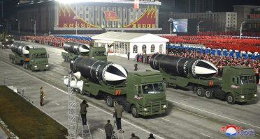 (Видео) Пјонгјанг ги покажа новите ракети : Ова е слика на нашата апсолутна моќ