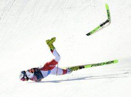 (Видео) Скијачот Урс Крунбил доживеа тешки повреди по падот на трката во Австрија