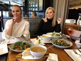 Елена и Ирена, фолк муабети наместо настапи на свадби и турнеи