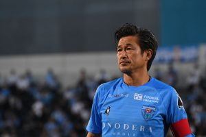 Има 53 години и потпиша нов договор со Јокохама