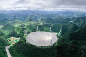 Кина изгради огромен телескоп со кој ќе бара вонземјани