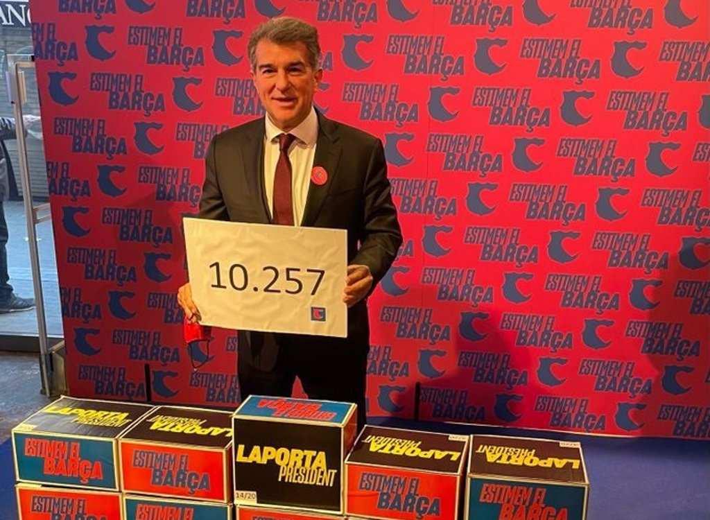 Лапорта апсолутен фаворит пред изборите во Барселона