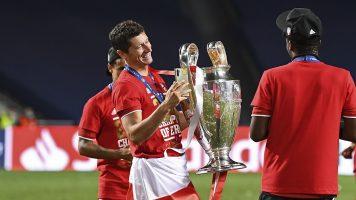 Лева го предводи тимот на годината на УЕФА