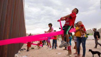 Лулашките на американското-мексиканската граница се избрани за дизајн на годината
