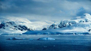 На Северната хемисфера и се заканува леден бран од Арктикот