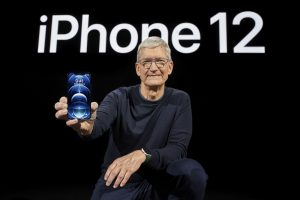 Слаба побарувачка за најмалиот iPhone, корисниците ги бараат поскапите модели