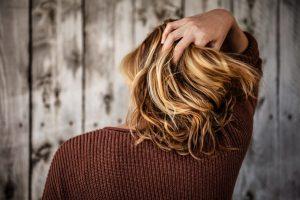Совети како косата помалку да ви се масти