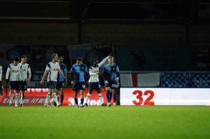 Тотенхем со три гола во седум минути го помина Вајкомб