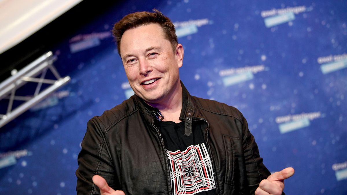 Упорен бугарски програмер по 154 обиди доби одговор од Илон Маск: Веројатно нема да те тужиме