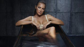 (Фото) Александра Пријовиќ по греша заврши на еротски сајт