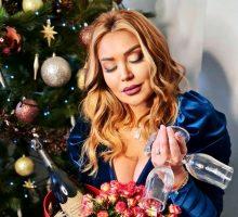 (Фото) Во купаќи пред Божик: Лила се опушти во Охрид