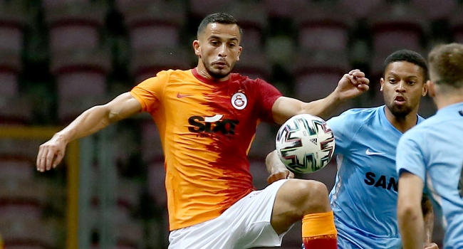 Фудбалер на Галатасарај палел огномет, па завршил во болница