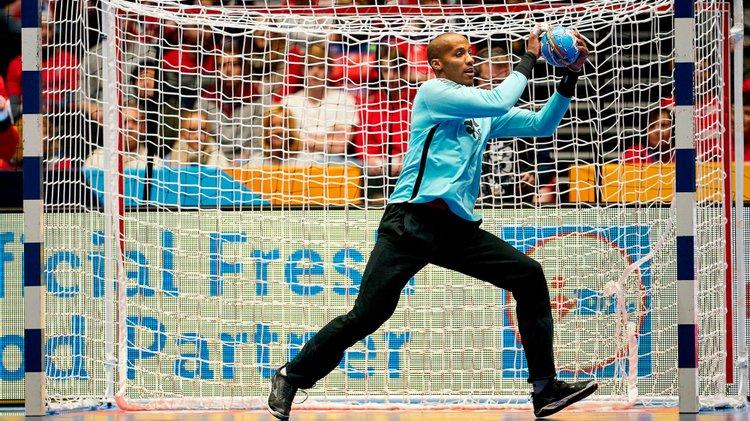 Португалскиот голман Квинтана добил срцев удар на тренинг!
