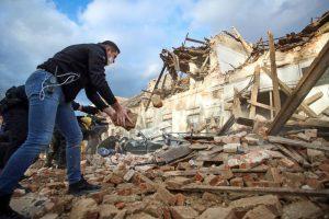 Силниот земјотрес во Хрватска ги поместил Сисак и Петриња и до 86 сантиметри