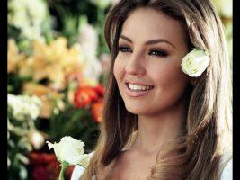 """(Фото) Актерката која ја глумеше Росалинда на насловна на мексиканскиот """"Вог"""""""