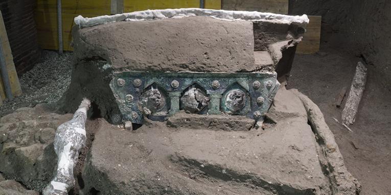 (Видео) Во Помпеја пронајдена античка римска кочија