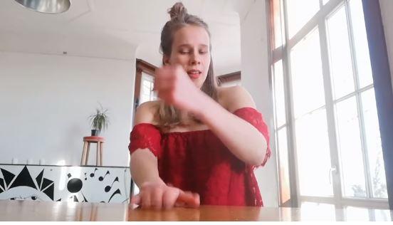 """(Видео) Младата уметничка од Финска ја препеа """"Јовано, Јованке"""""""