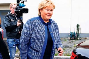 Норвешката премиерка се извини затоа што ги прекрши владините мерки против коронавирус