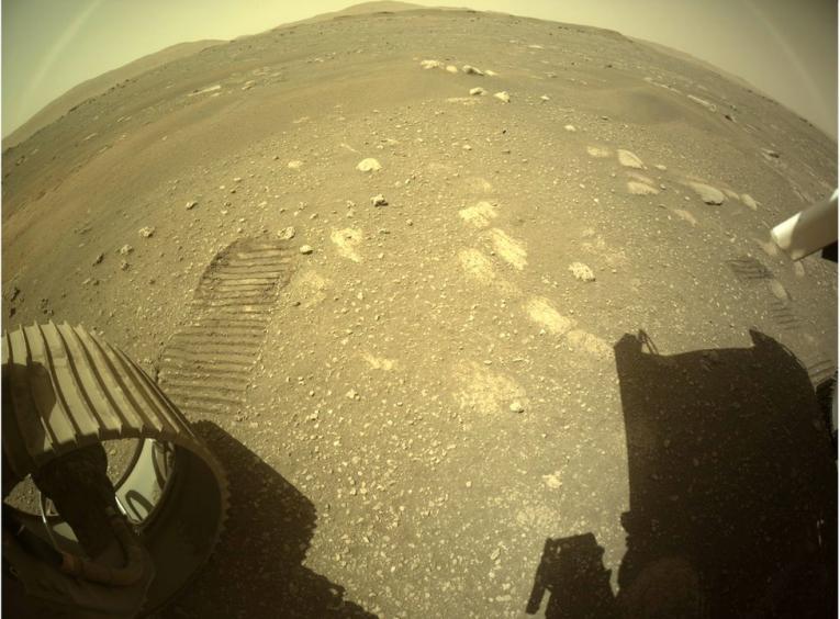 Роверот на NASA првпат се движеше по површината на Марс (ВИДЕО)