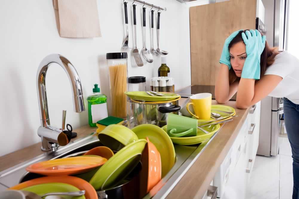 Чистење на кујната – трикови од состојки кои ги имате дома