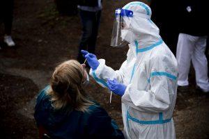 Шкотски научници открија: Обичната настинка штити од Ковид-19!