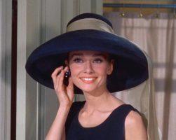Ќе се снима серија за животот на Одри Хепберн
