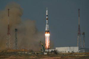 """Руската капсула """"Јуриј Гагарин"""" со екипаж лансирана на ISS (ВИДЕО)"""