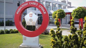 УЕФА се сомнева на два наместени меча во Србија