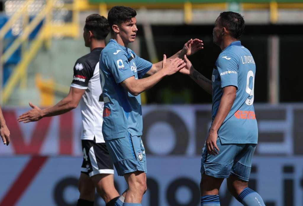Аталанта не го дава местото во ЛШ, Каљари ги поттурна Беневенто кон Серија Б