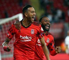 Бешикташ ја освои двојната титула во Турција