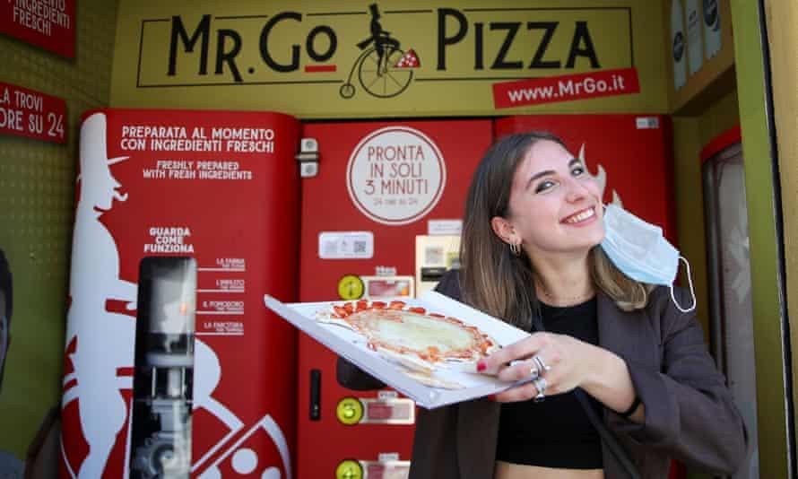 Во Рим поставен прв автомат кој приготвува пица за 3 минути