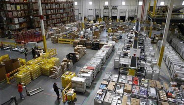 Amazon секоја недела уништува големи количини на лаптопи и телевизори