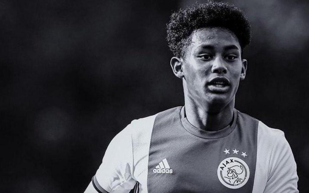 Млад фудбалер на Ајакс загина во сообраќајна несреќа