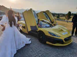 Се ожени хрватскиот иноватор Мате Римец: Свадба во природа со стаклен шатор за сопственикот на најбрзиот автомобил