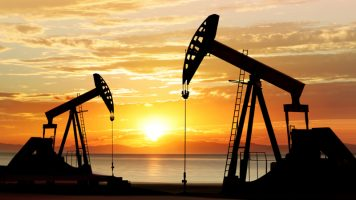 Научници: Фосилните горива мора да останат во земјата