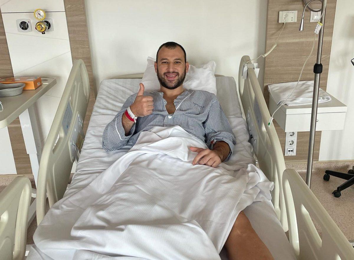 Забавата може да почне, вели Дејан Манасков по операцијата на коленото