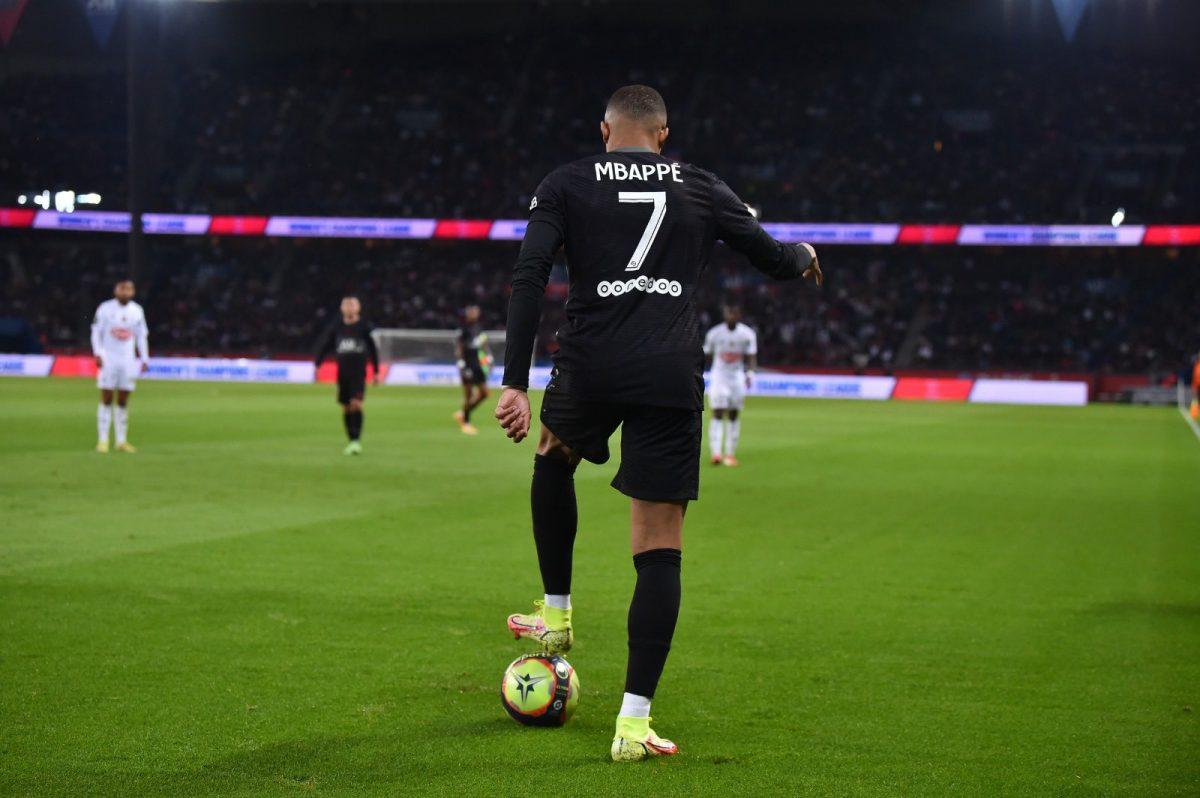 ПСЖ со гол од пенал стигна до победа над Анжер