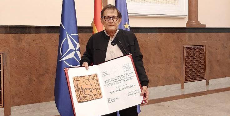 Почина филологот и книжевен теоретичар Атанас Вангелов